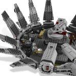Millennium Falcon Lego set 4